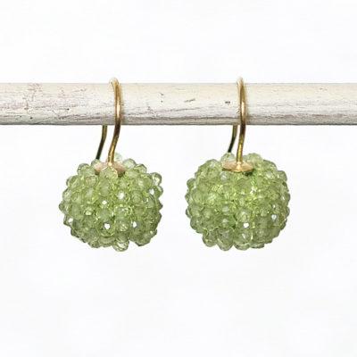 """Feinvergoldete Ohrhänger aus Sterlingsilber mit """"Beaded Balls"""" aus Edelsteinen aus der Kollektion """"Klassisch, klar, kunterbunt"""""""