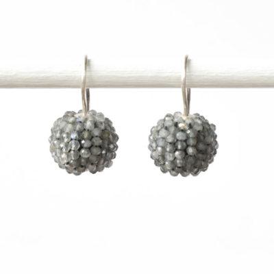 """Ohrhänger aus Sterlingsilber mit """"Beaded Balls"""" aus Edelsteinen aus der Kollektion """"Klassisch, klar, kunterbunt"""""""