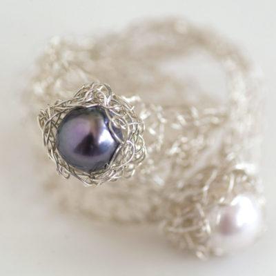 """Gehäkelte Ringe mit Perlen aus der Kollektion """"Häkelblümchen"""""""